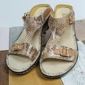Alegria Lara Posh Gold Wedge Sandals size 39